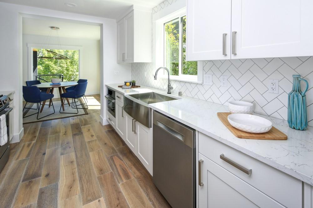 Herringbone backsplash in kitchen