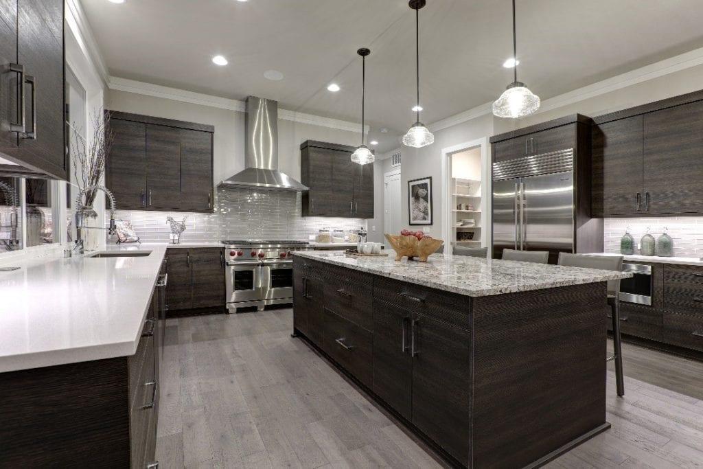Kitchen Using Horizontal Lines