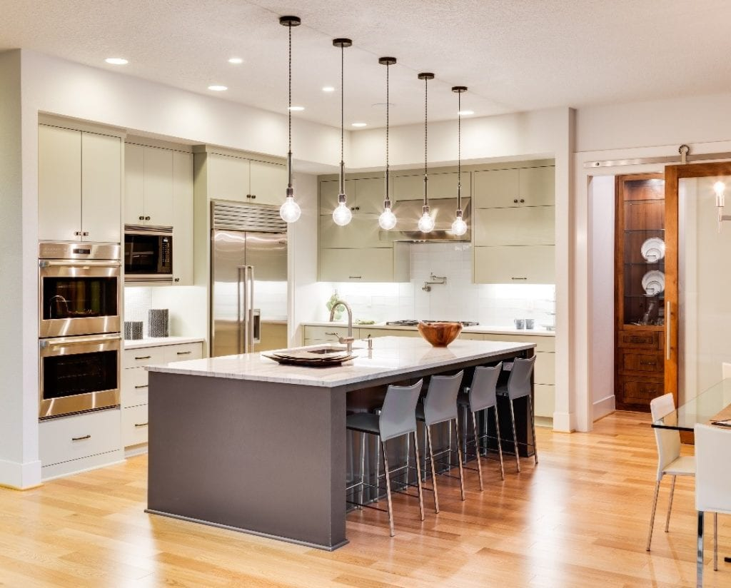 Minimal Ornamentation Kitchen